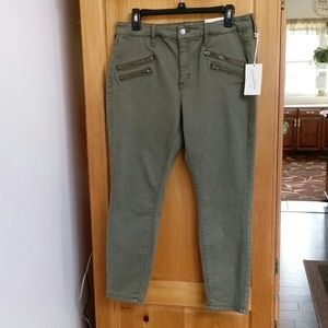 Universal Thread Green Pants Size 12/31R